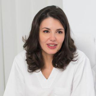 Dr. Iulia Panturu - medic specialist dermatologie si estetica medicala