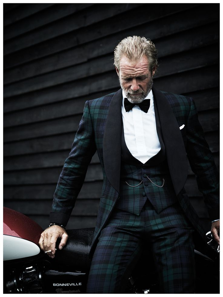 Gorgeous.Who would have thought a tartan suit could be sexy.