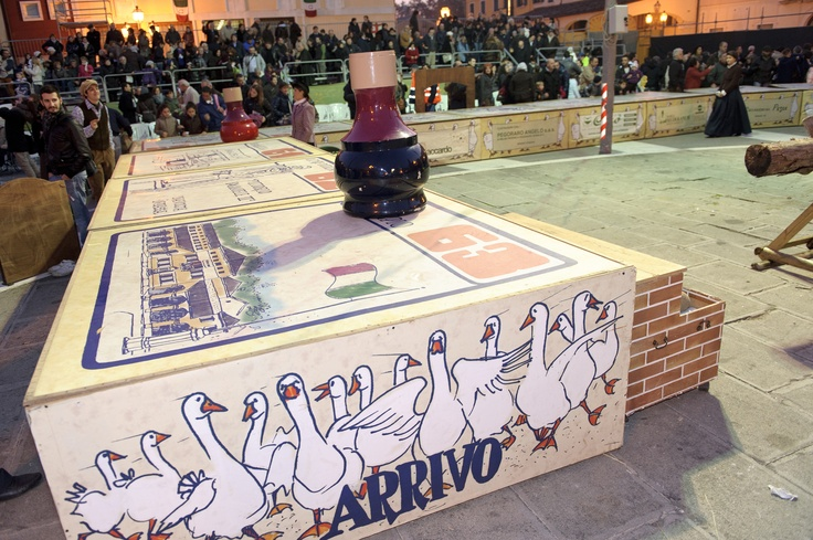Gioco dell'Oca in piazza a Mirano (Venezia)