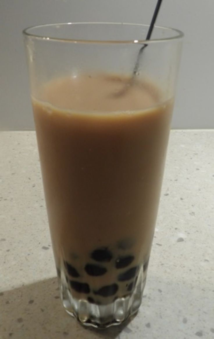 HOW TO MAKE YOUR OWN BUBBLE TEA AT HOME? http://recipeyum.com.au/how-to-make-your-own-easy-bubble-tea-or-boba-at-home/