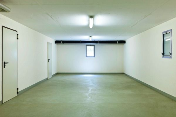 Read this article to understand the difference between epoxy and waterproof paint.