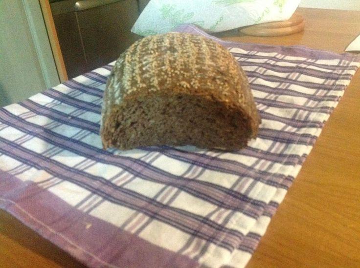 lehoučký tmavý chleba se semínky