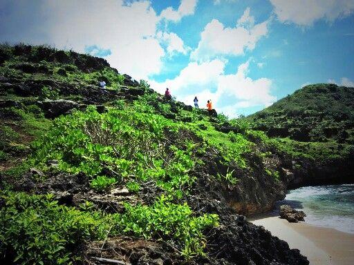 Pantai Srau spot 3, Pacitan Jawa Timur #travelerdadakan #indonesia #TDI #explorepacitan