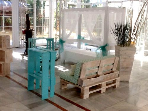 53 best images about dise o de stands con pallets on - Muebles con palets sevilla ...