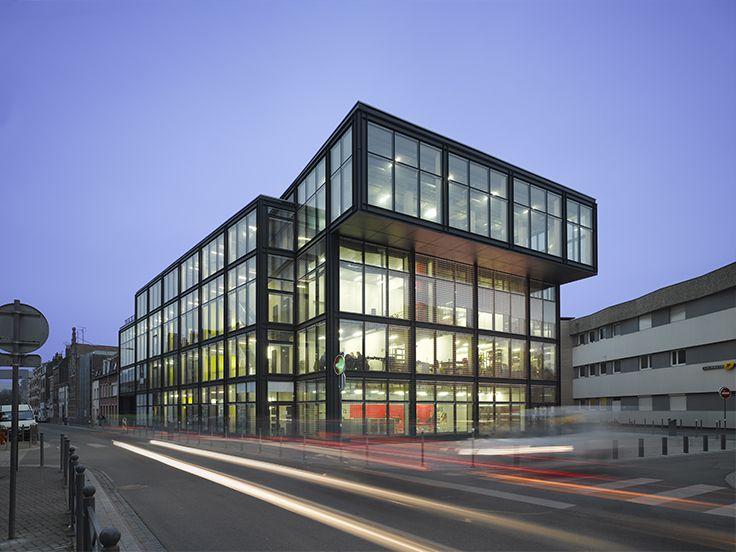HIP-HOP - Lille (59) Architecte : King Kong Architecture, Bordeaux (33) Entreprise : PMN, Lesquin (59) Photos : Roland Halbe Office Solutions WICONA utilisées : MECANO châssis fixes respirants VEC, MECANO ouvrants pompier respirant VEC Droits Réservés WICONA