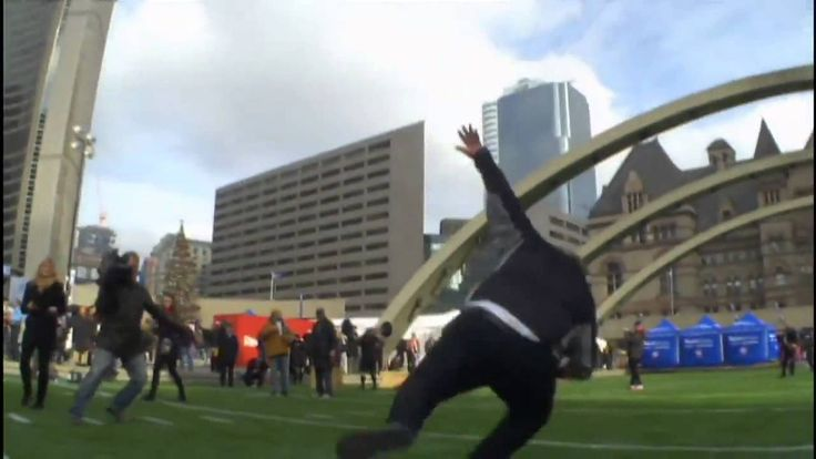 Mayor Rob Ford falls trying to toss pass Fuuny Stuff #fail #robford #robfordtoronto #mayorRobFord