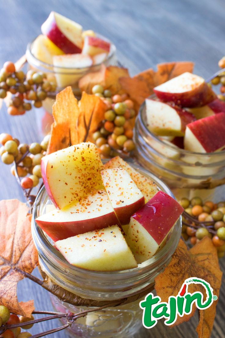 Diced and looking nice ;)  Apples with Tajín; can't never go wrong with these two!/ #manzanas en cubito con #Tajin