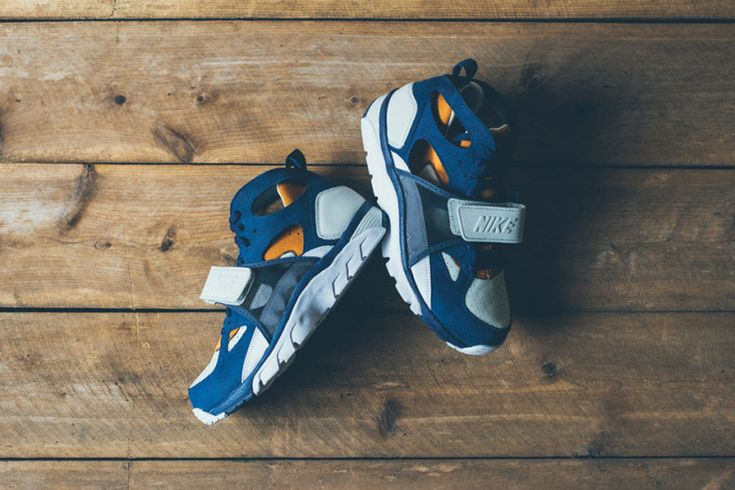 Picture of Nike Air Trainer Huarache Premium Midnight Navy/Ginger