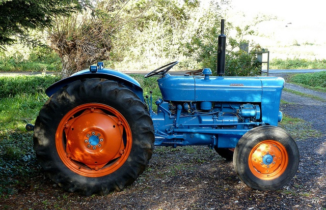Vintage Front Wheel Drive Tractors : Best images about ford dexta on pinterest john deere