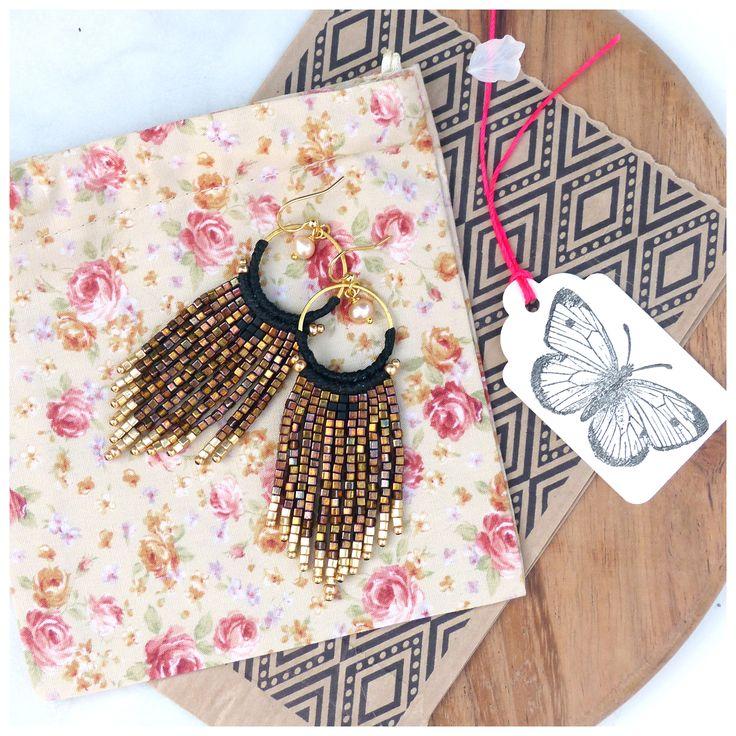 Micro macrame elegant long earrings, black and iridescent gold / bronze. Handmade woven jewelry. Bohemian chic style. © Natacha Fayard #micromacrame #macrame #long #elegant #bohemian #chic #earrings #gold #bronze #iridescent #black #etsy #woven #jewelry