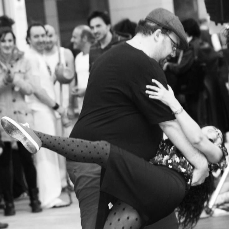 Celebrando el #DíaMundialDeLaDanza bailando #LindyHop #Zaraswing #Zaragoza