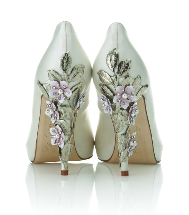 Normally not a flower kinda girl but these are awesome!: Wedding Shoes, Shoes Design, Flowers Shoes, Wedding Heels, Shoes Collection, Bride Shoes, Floral Heels, Harriet Wild, Bridal Shoes