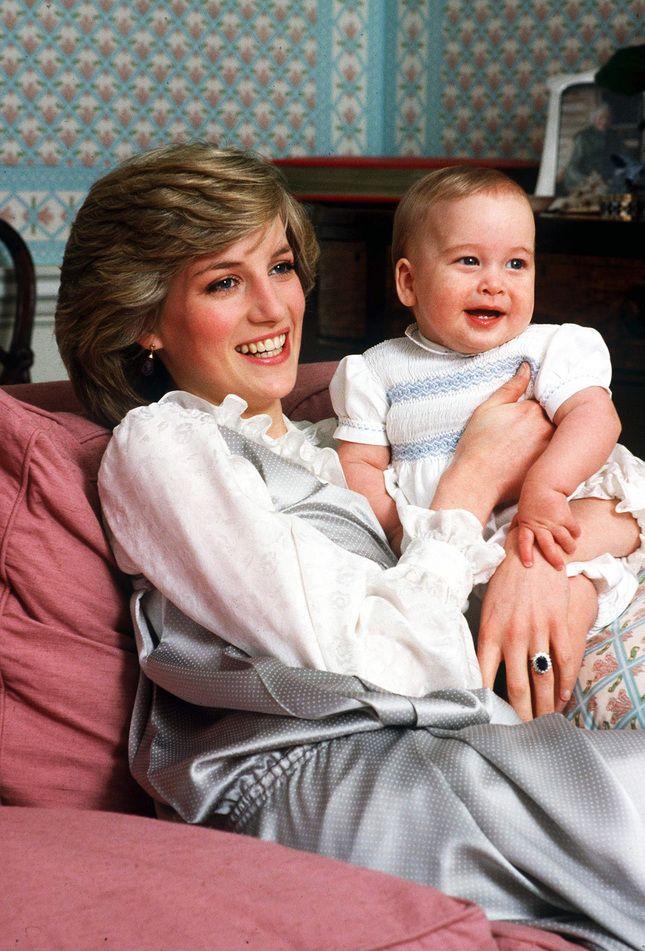 Диана Спенсер: фото, биография, семья, любовь и стиль принцессы Дианы |Glamour | Glamour.ru
