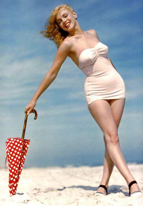 Marilyn Monroe on the beach by Andre de Dienes in 1949. (Vintage