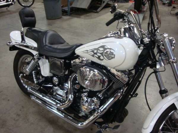 2005 Harley-Davidson FXDWG/FXDWGI Dyna Wide Glide. I want this so Badd! Can't wait to get m own and RiDe!