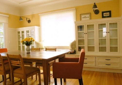 cabinets flanking window. Bench for cat.: Kitchens Design, Kitchens Benches, China Cabinets, Traditional Dining Rooms, Built In, Design Service, Interiors Design, Window Seats, Dining Rooms Storage