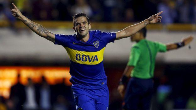 Boca Juniors: Fernando Gago y el golazo que hizo explotar a La Bombonera. April 07, 2016.