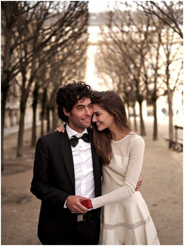 This looks like it may be in the Palais Royal gardens. One of our favorite areas in Paris. A great place to sit and relax. Photo ideas for elopement 2016!