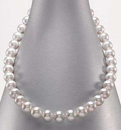 Pearls! Real or fake...doesn't matter. Classic beauty. Something that will never go out of style. necklace jewelry strand gem pearls pearl