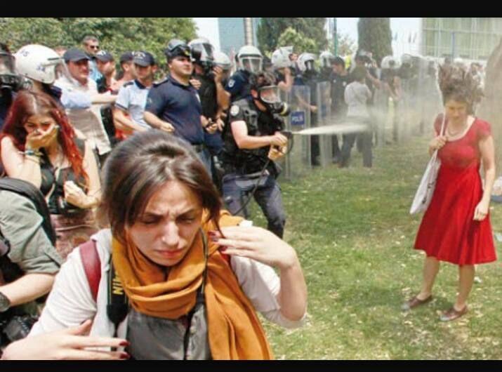 Türkiye Gündemi: Bugün Gezi Parkı eylemlerinin 2.yıl dönümü olması sebebiyle sosyal medyada en çok konuşulan konu oldu.