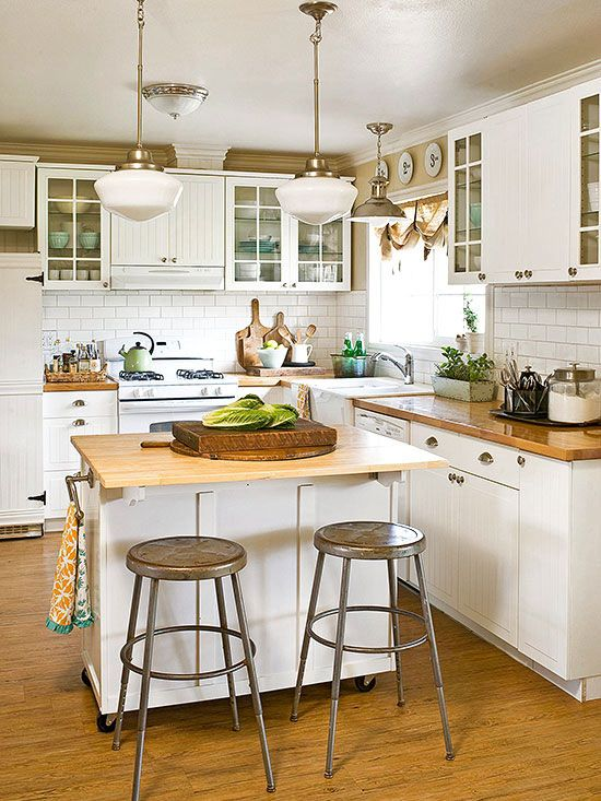25 best ideas about white cottage kitchens on pinterest for Cottage kitchen island ideas