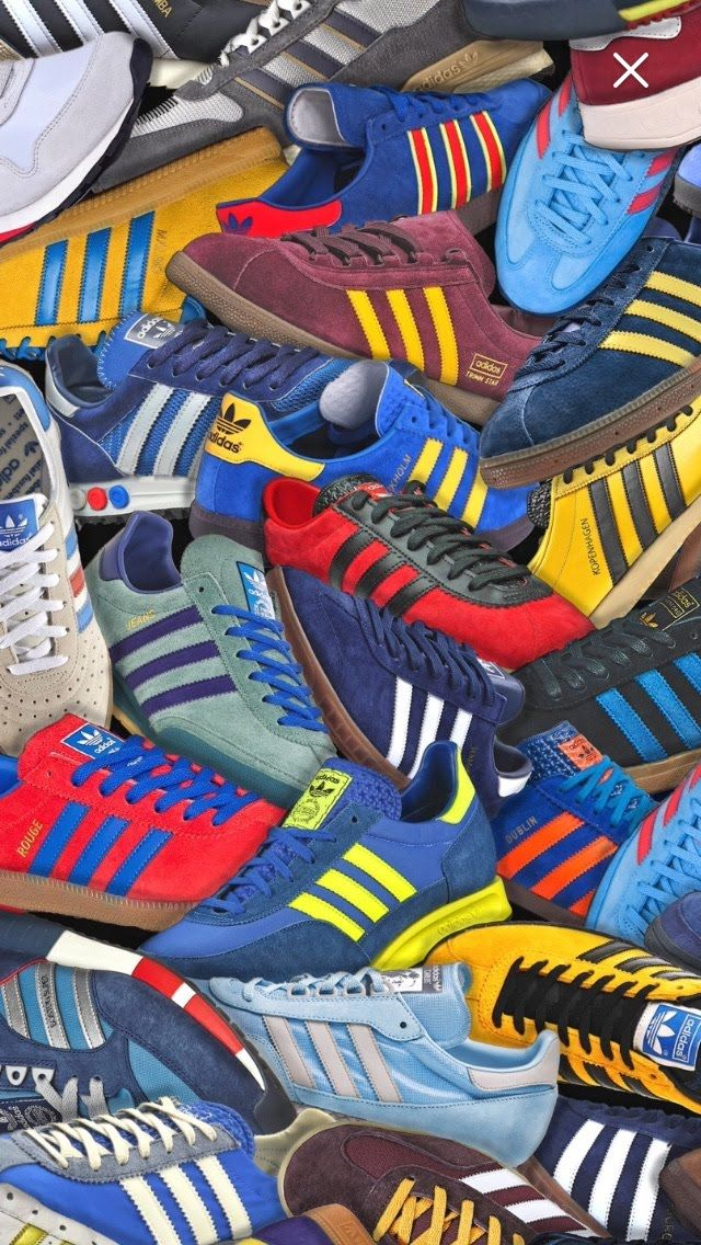 Adidas Sneakers A Lot Of Them Bola Kaki Gaya Kasual Sepatu Adidas