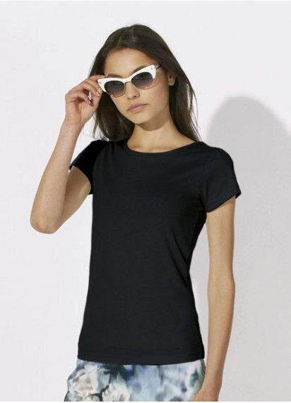 Classic Cloudwatcher ladies' tee in black. Fair trade and made in Bangladesh from 100% organic cotton.