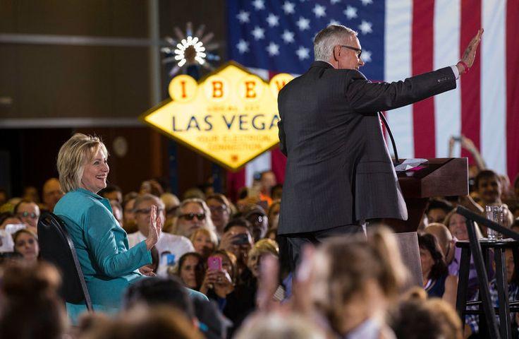 Pemimpin minoritas Senat, Harry Reid dari Nevada, meminta F.B.I. Senin untuk menyelidiki bukti yang menunjukkan bahwa Rusia mungkin mencoba untuk memanipulasi hasil voting pada bulan November. Dalam...