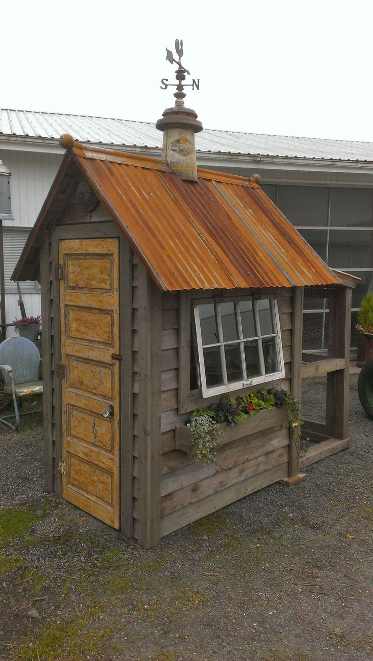 Photo: Sweet Chicken coop with run.