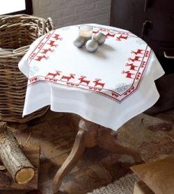 """Комплект для вышивания салфетки Vervaco """"Красные северные олени"""", 80х80 см"""