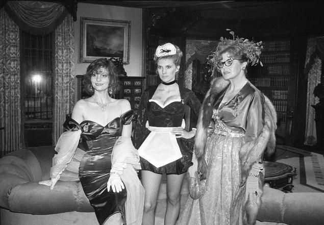 """Lesley Ann Warren, Colleen Camp and Eileen Brennan on the set of """"Clue"""" in 1985."""