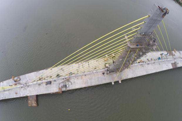Sem acordo em reunião entre prefeitura de Laguna e Dnit, iluminação da Ponte Anita Garibaldi continua sendo impasse +http://brml.co/1DHRiwU