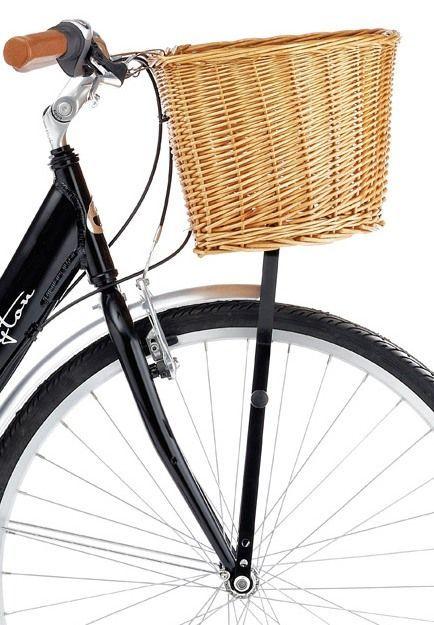 cistella de vímet per portar a la bicicleta