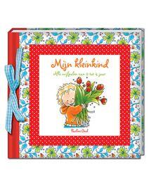 In het boek 'mijn kleinkind' van Pauline Oud kun je alle mijlpalen van je kle...