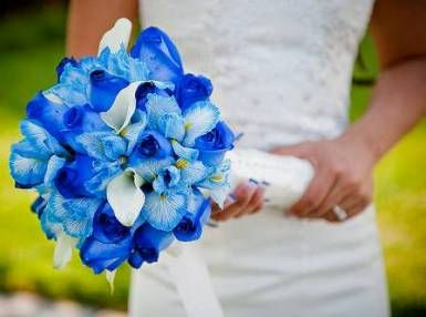 blue summer wedding bouquets