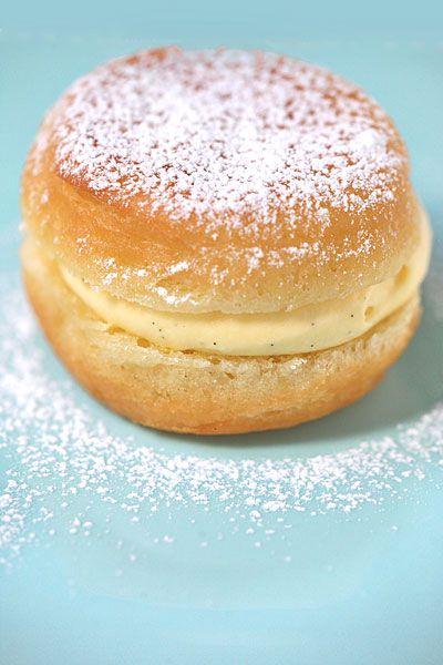 Les 25 meilleures id es de la cat gorie boule de berlin sur pinterest recette beignet sucr - Recette boule de berlin moelleuse ...