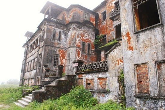 Bokor Hill Station - 1922  Abandoned French town in Cambodia