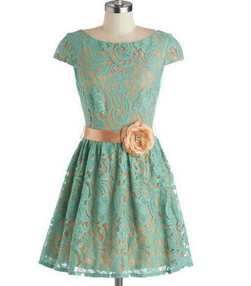 Short Green Lace Bridesmaid Dress Knee Length por AnnaCustomDress, $89.00