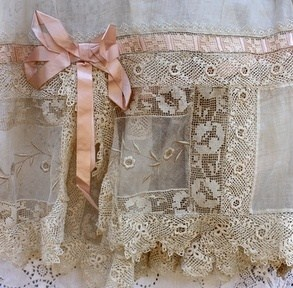 <3 antique lace and ribbons <3