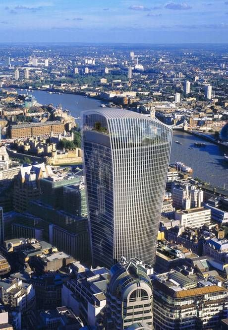 Walkie Talkie building, London (Pic #1 of 5): Nice architectural design! What's wrong with it? (Look at pic #2)