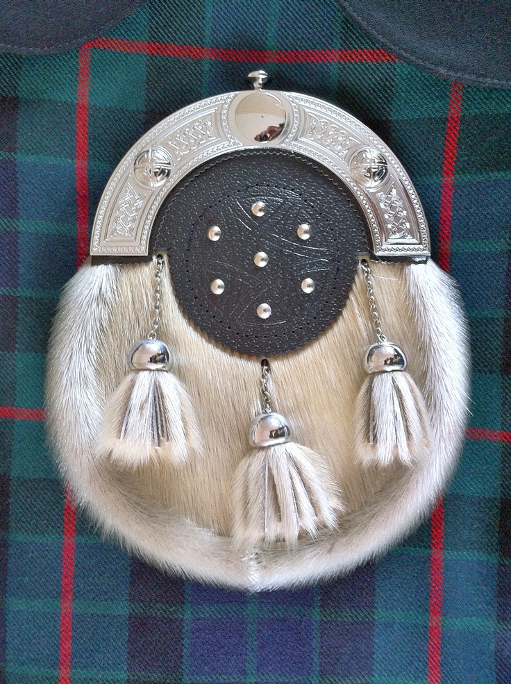 Clan Gunn tartan & dress sporran. Clan Gunn are an old Scottish clan, originally descended from Vikings.
