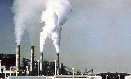 ... في الدول الصناعية أن تتخذ إجراءات احترازية قوية وجادة للحد من تلوث الهواء، بوضع حدود قصوى لانبعاث ملوثات الهواء من المصادر المختلفة، وتنفيذ إجراءات لخفض ...