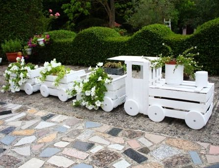 Направи си сам градинско влакче-цветарник | Art senses – артистични идеи за интериор и градина
