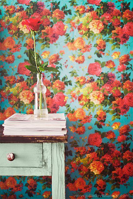 Floral wallpaper by Chaulafanita [www.juliadavilalampe.com], via Flickr