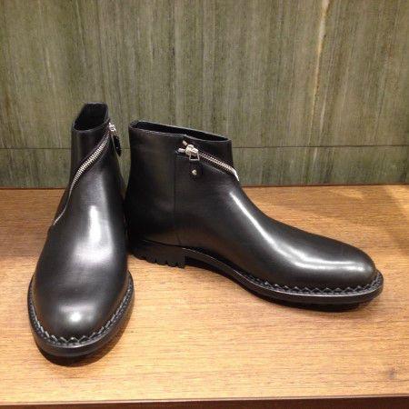 Ankle boots by @balenciagaparis #Balenciaga #AnkleBoots #leather #men #FolliFollie #FW14collection