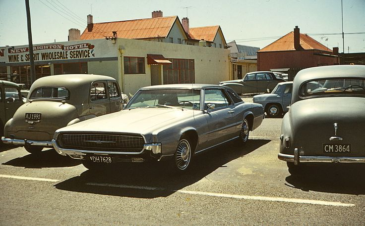 https://flic.kr/p/c6Bxo7 | 1967 Ford Thunderbird 2 door Hardtop | New Brighton, Christchurch, New Zealand, 1970.