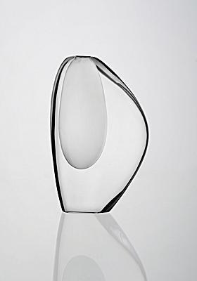 Lancetti vase. Designed by Timo Sarpaneva (Finland) for Iittala in 1952.