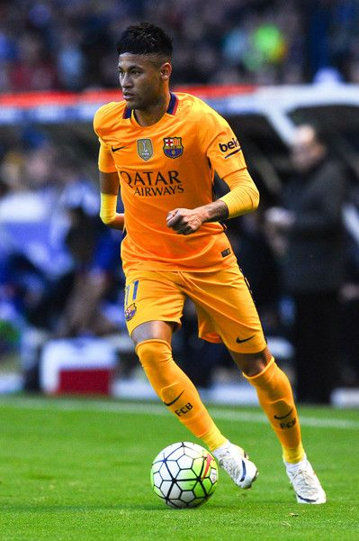Neymar of FC Barcelona runs with the ball during the La Liga match between RC Deportivo La Coruna and FC Barcelona at Riazor Stadium on April 20, 2016 in La Coruna