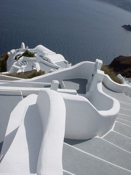 KATIKIES Hotel, Santorini | Going up and down in the beautiful Cyclades, Greece.
