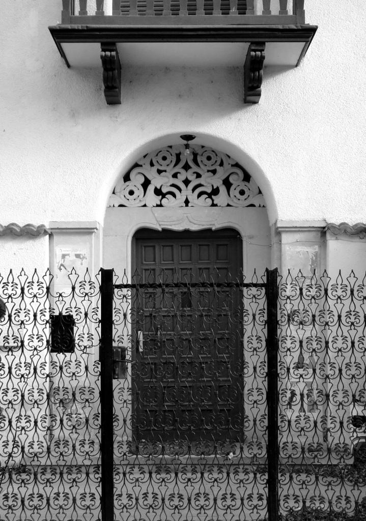 door, bucharest, arch. Octav Doicescu